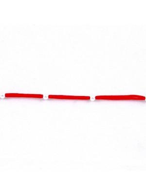 Нежна сребърна гривна с червен конец