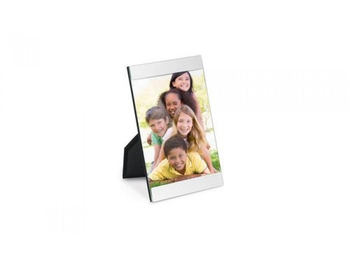 Рамка за снимка с размери - 100 х 121 мм. с включено гравиране