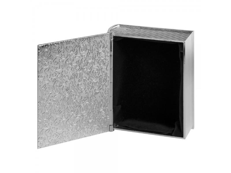Кутия за кръщене със сребърно покритие,