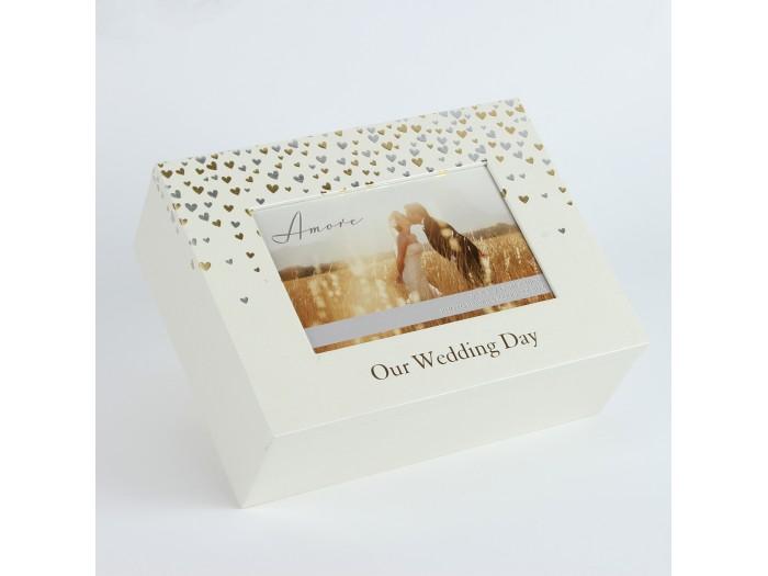 Красива кутия за спомени с малки сърца от колекцията Amore